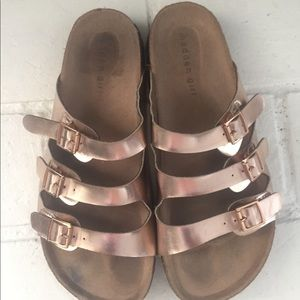 "Madden girl sandals ""G-Percy"""